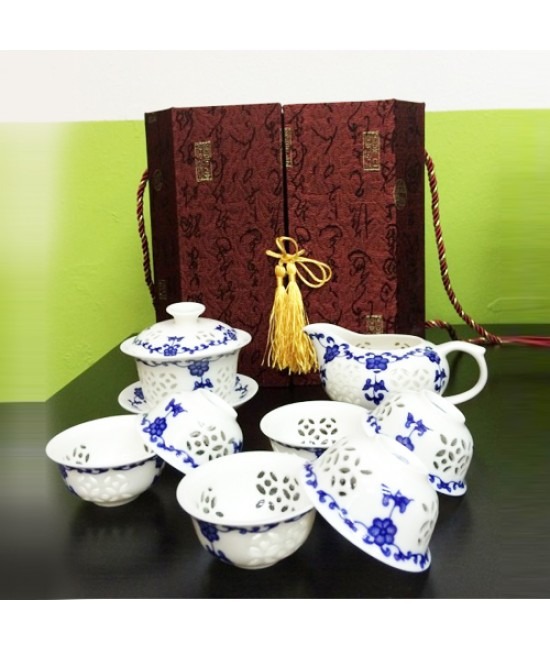 Porcelain - Traditional Chaozhou Bubble Porcelian, Blue flowers 8 pcs set, 6 Cups, Common Cup and Gaiwan