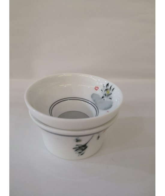 Porcelain Tea Strainer - Black Lotus